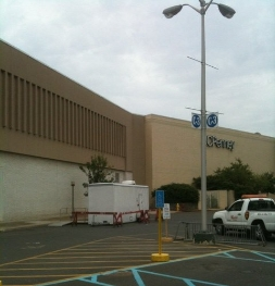 10-stall-at-trumbull-mall-ct