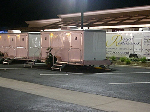 portable-restrooms-for-california-black-tie-events