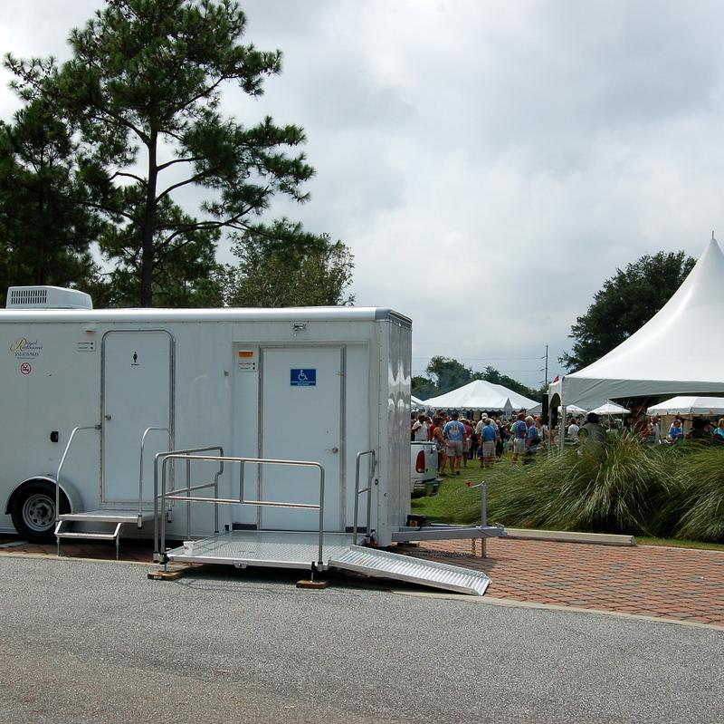 ada-restrooms-at-park-festival