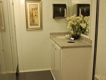eleven-stall-restroom-trailer-womens-interior