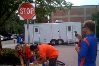 10-stall-uf-game-day-fl
