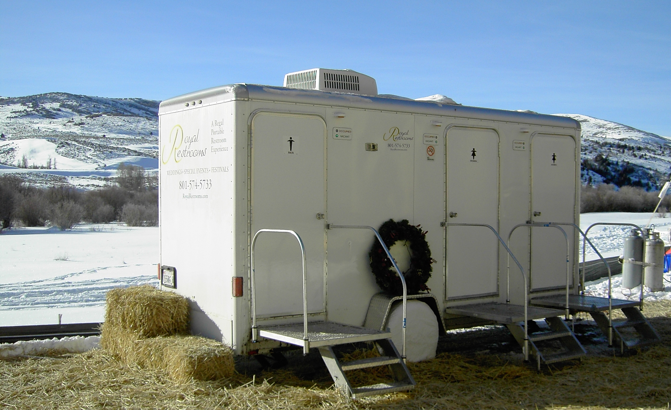 utah-portable-restrooms-at-victory-ranch-event