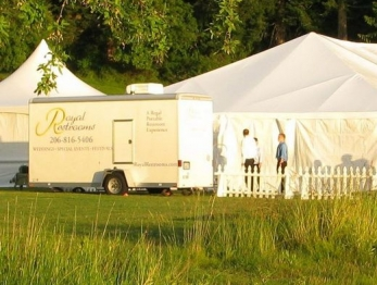 washington-portable-restrooms-for-outdoor-weddings