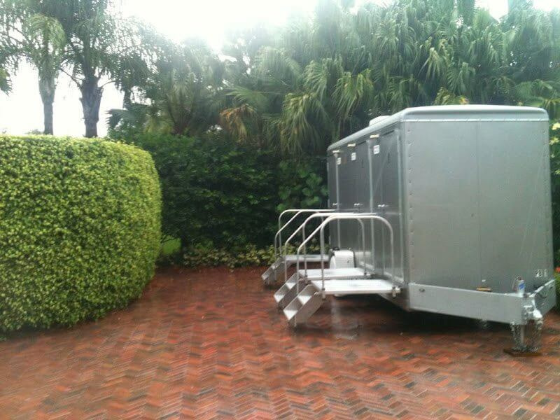 Portable Restrooms Class Comfort For Outdoor Weddings Royal Restrooms