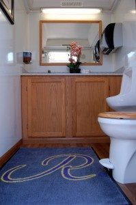 Platinum Portable Bathroom Men's Interior